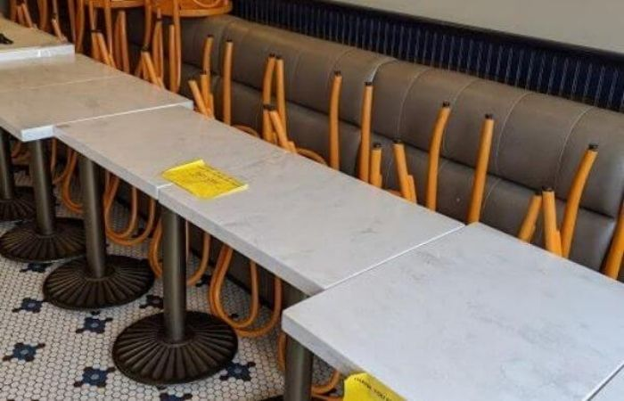 Empty banquettes inside a Campbell, CA dining establishment - Source: Thomas Brenner