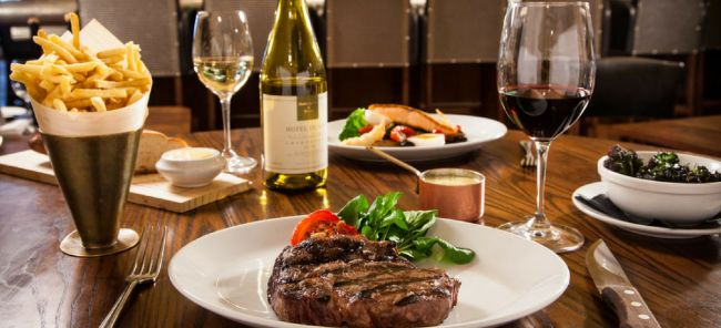 Photo for: 8 Tips for a Flawless Food and Wine Dinner